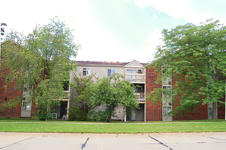 Round Barn Apartments Exterior
